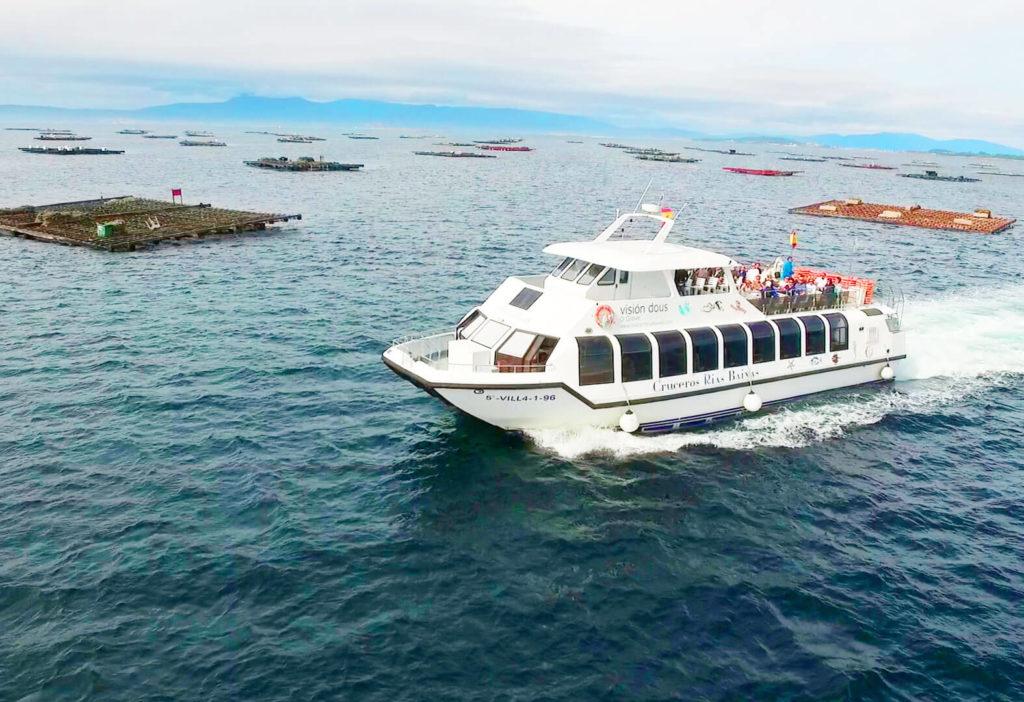 Catamarán Visión Duos visto desde el aire