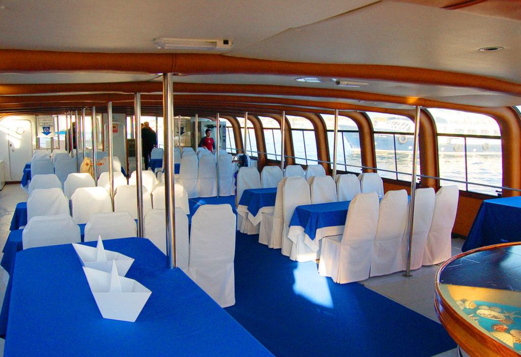 Interior del Catamarán Visión Duos