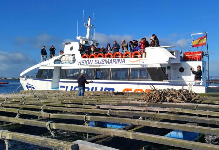 Barco de mejillones ría de Pontevedra