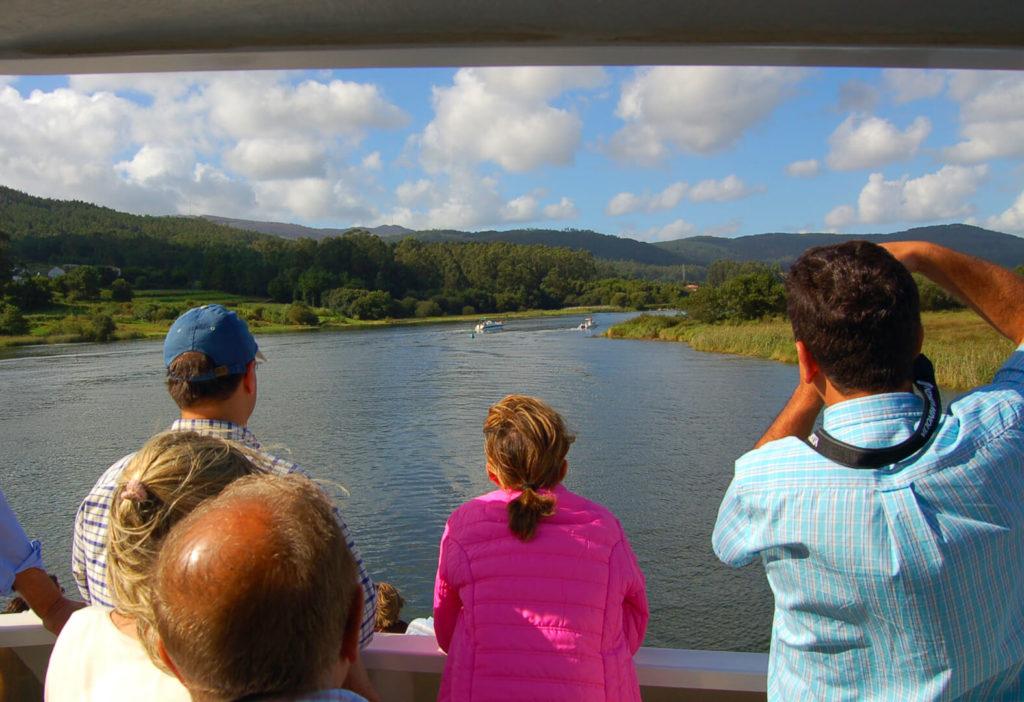 Vistas desde el catamarán de la ruta Traslatio